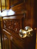 Dörr och knopp royaltyfri foto