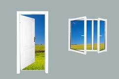 dörr som är ny till världen arkivbild