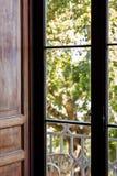 Dörr som arbeta i trädgården Royaltyfri Bild