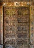 Dörr till templet. Royaltyfri Bild
