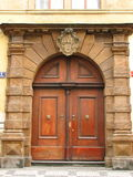 dörrar gammala prague Arkivbilder