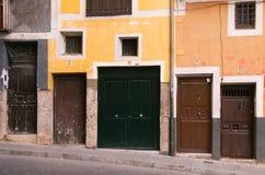 Dörrar i Cuenca, Spanien Arkivfoto
