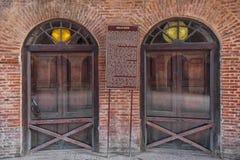 Dörrar på Delhi portinre, Lahore Arkivbilder