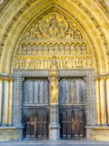 Dörrbåge av den Westminster abbotskloster i London Arkivfoto