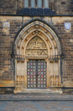 Dörren av basilikan av St Peter och St Paul Arkivbilder