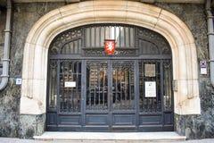 Dörren av den tjeckiska ambassaden i Bucharests historiska centrum Bucharest Rum?nien - 20 054 2019 arkivbilder