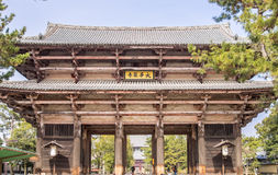 Dörren till templet Arkivfoto