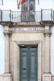 Dörringång till museet, Museo Salzillo som är hängiven till barockscu arkivbild