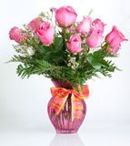 Dúzia rosas cor-de-rosa Fotografia de Stock Royalty Free