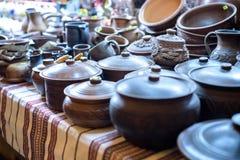 Dúzias de grandes potenciômetros de argila em Jango no palácio de Gyeongbokgung Fotos de Stock Royalty Free