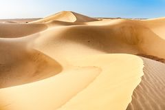 Dünen der Sahara-Wüste in Marokko lizenzfreie stockfotos