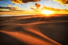 Dünen Sun-Horizont-Sonnenuntergang lizenzfreies stockbild