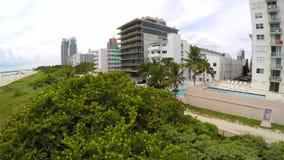 Dünen und Gebäude in Miami 4k stock video footage