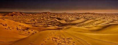 Dünen von Merzouga Wüste des Saharas marokko stockfotos