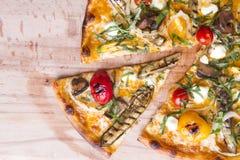 Dünne Kruste-Pizza Stockfotografie