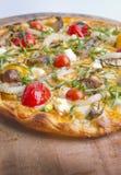 Dünne Kruste-Pizza Lizenzfreie Stockfotografie
