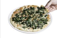 Dünne Krustenpizza mit Ausschnittspfad Stockbild