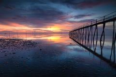 Dünne lange Brücke lizenzfreies stockfoto