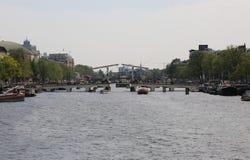 Dünnes Brücke laso nannte Magere Brug auf Niederländisch über dem Fluss morgens Lizenzfreie Stockfotografie