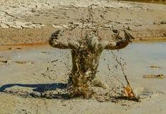 Dürre, Durst und Hilflosigkeit; Aufmerksamkeit-Ergreifungsaktion stockfotografie