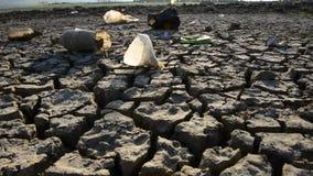 Dürren und Verschmutzung stock video