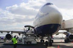 Düsenflugzeug in Domodedovo-Flughafen Lizenzfreie Stockbilder
