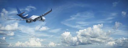 Düsenflugzeug im Flug Stockfotografie