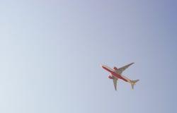 Düsenflugzeugstart von Hong Kong International Airport Lizenzfreies Stockbild