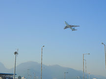 Düsenflugzeugstart von Hong Kong International Airport Stockbilder