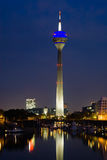 Düsseldorf Media-Hafen nachts Stockfoto