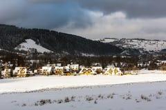 Düsterer, dunkler Wintertag Stockbild