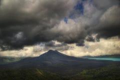 Düsterer Vulkan lizenzfreie stockfotografie