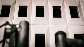 Dębny budynku kąt przeciw niebu zdjęcie royalty free