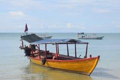Długa hołobelna łódź Zdjęcia Stock