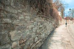 Długa kamienna ściana Fotografia Royalty Free