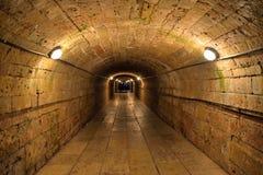 Długa kamienna piwnica z światłami w Dużym Gatchina pałac Obraz Royalty Free
