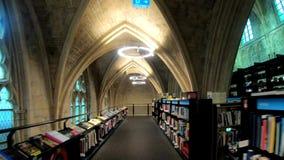 Długa sala i stary drewniany bookstore zbiory