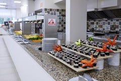 Długi bufet z japońską kuchnią 1 obraz stock