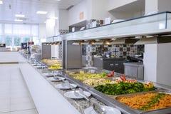 Długi bufet z odparowanymi warzywami zdjęcie royalty free