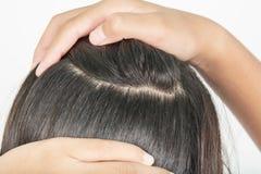 Długi i gęsty włosy kobiety obraz stock