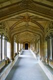 Długi korytarz z naturalnym światłem Obraz Stock