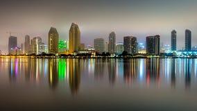 Długi ujawnienia odbicie w centrum San Diego obraz stock