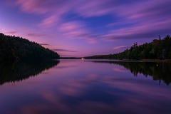 Długi ujawnienie brać przy Echowym jeziorem po tym jak zmierzch, Acadia obywatel P Zdjęcia Stock
