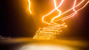 Długi ujawnienie nocy światła ruchu w mieście Obraz Stock