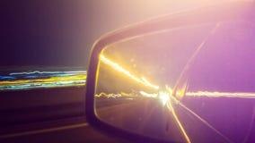 Długi ujawnienie nocy światła ruchu w mieście Zdjęcia Royalty Free