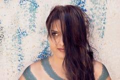 Długie Włosy mody kobieta z Malującym ciałem obraz royalty free