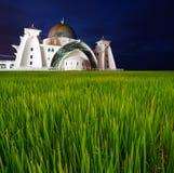 Długiego ujawnienia godziny Selat Malacca Błękitny meczet Miękka ostrość i Mot Obraz Stock