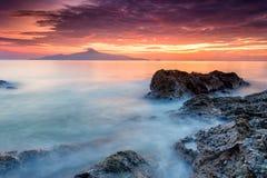 Długiej ujawnienie obrazka Pięknej scenerii chmurny zmierzch Z Sto Zdjęcie Royalty Free