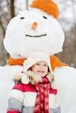 Długość portret uśmiechnięta mała dziewczynka zdjęcie royalty free