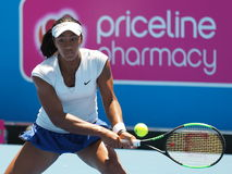 Dźwiganie nastolatka Destanee Aiava Australijski Tenisowy narządzanie dla australianu open przy Kooyong Tenisowym klubem Obraz Stock